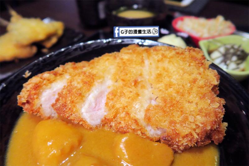 新丼日式丼飯專賣店-咖哩炸豬排丼 腰內肉炸豬排