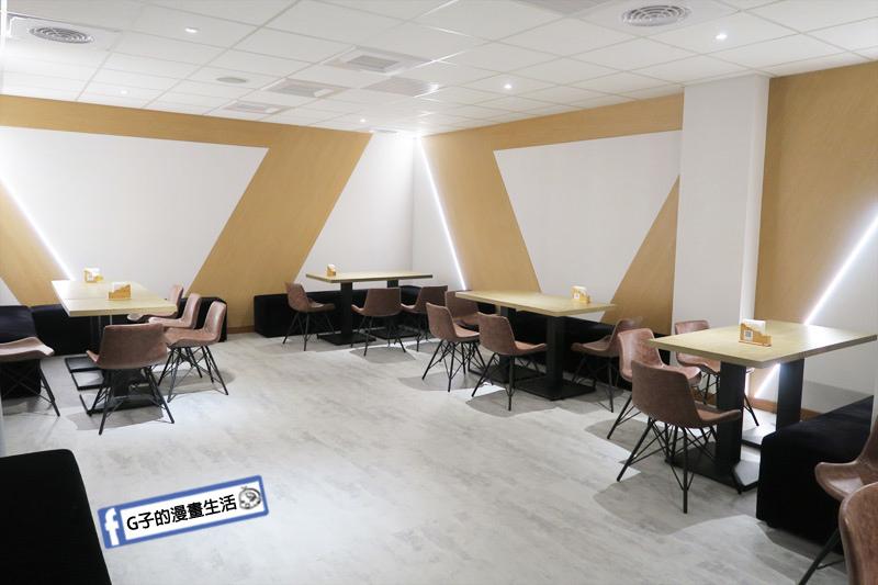 台SO PAR餐酒館 地下室是有包廂 適合包場活動