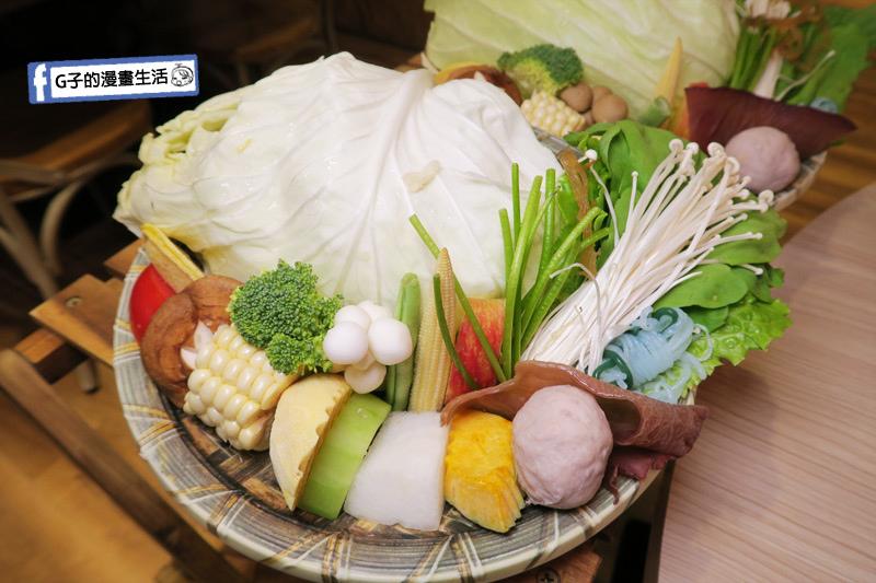 士林火鍋-牛棒碗安 GOBO 精緻鍋物.菜盤超多樣化