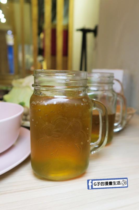 士林火鍋-牛棒碗安 GOBO 精緻鍋物.飲料杯也是玻璃的