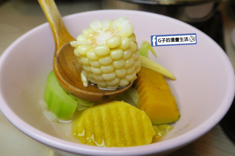 士林火鍋-牛棒碗安 GOBO 精緻鍋物.水果玉米好甜