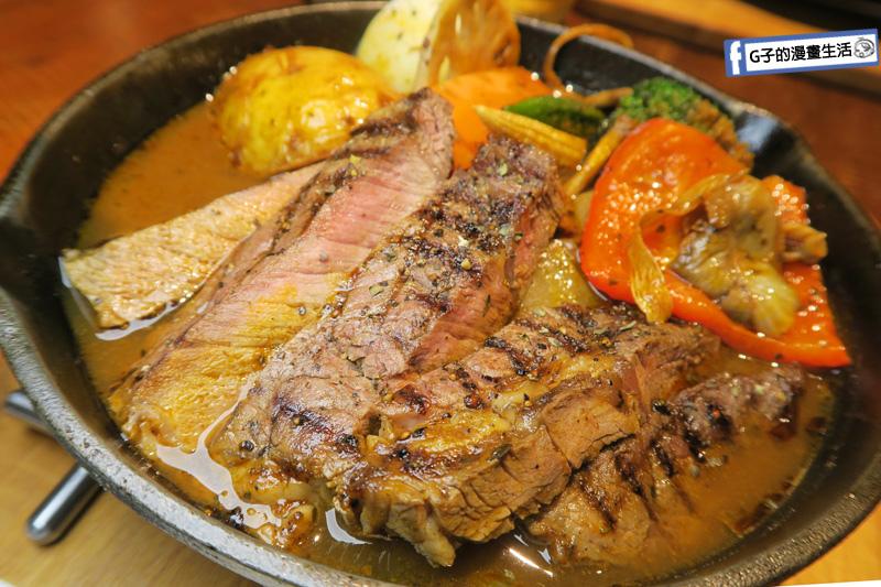 銀兔湯咖哩師大店 厚切牛排湯咖哩 澳洲沙朗牛排