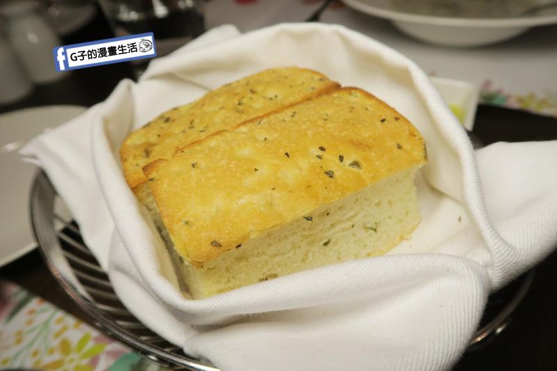 新莊慕拉諾義式餐廳 佛卡夏麵包