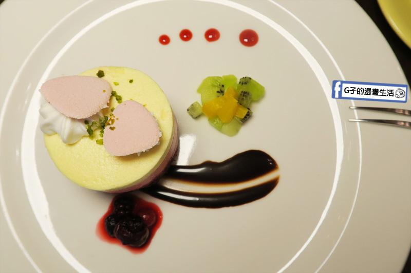 新莊慕拉諾義式餐廳 甜點-果昔千層派對 擺盤華麗