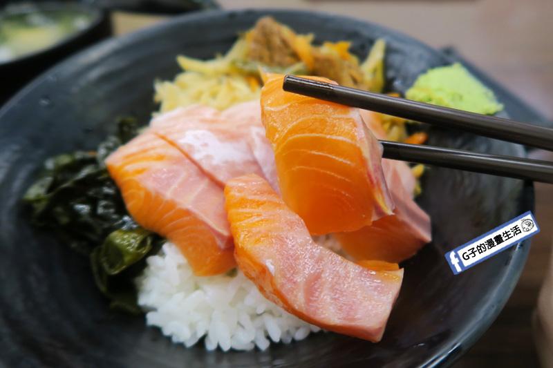 築地鮮魚改成築地樂樂町鮭魚丼 生魚片
