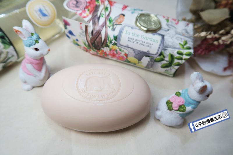 英國 Michel Design Works蜜雪兒 沐浴- 香氛手工皂+香氛泡泡浴開箱.MDW花園香氛大浴皂.MDW花束香氛泡泡浴