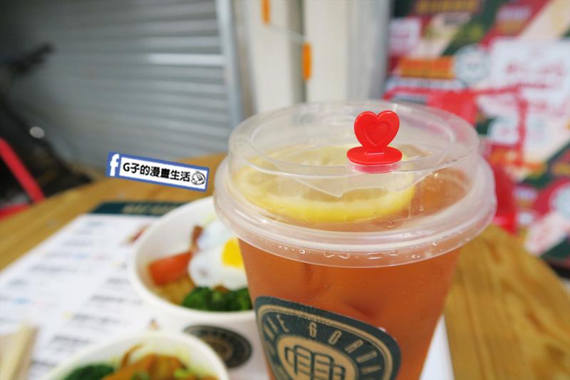 淡水澳門肥媽茶檔.澳門小吃.咖哩牛腩飯.凍檸檬茶.咖哩牛雜.淡水美食