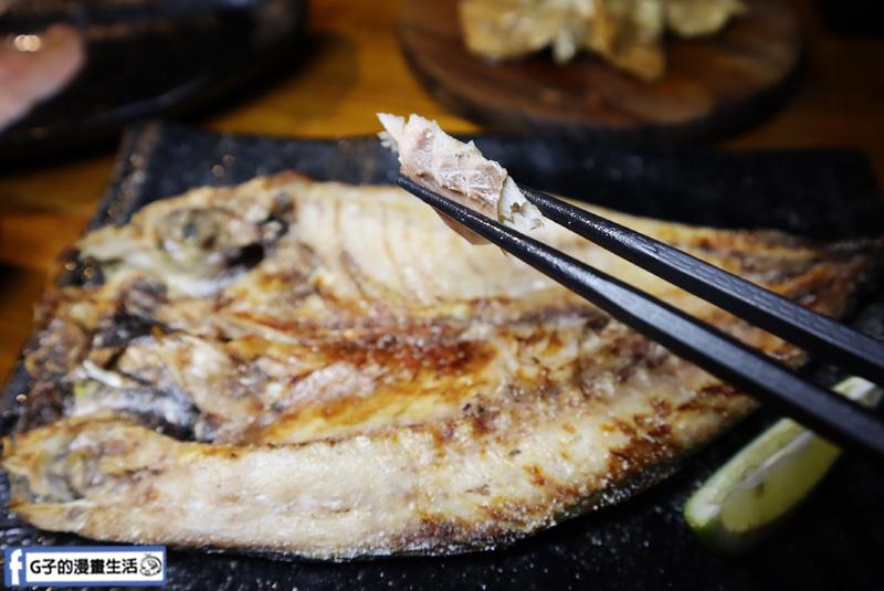 新北三重菜寮-米炭火燒肉小酒館,單點式燒烤.烤魚.竹筴魚一夜干