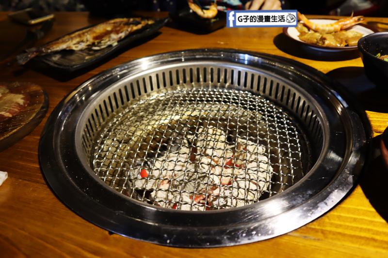 新北三重菜寮-米炭火燒肉小酒館,單點式燒烤.DIY自己烤.換往勤快