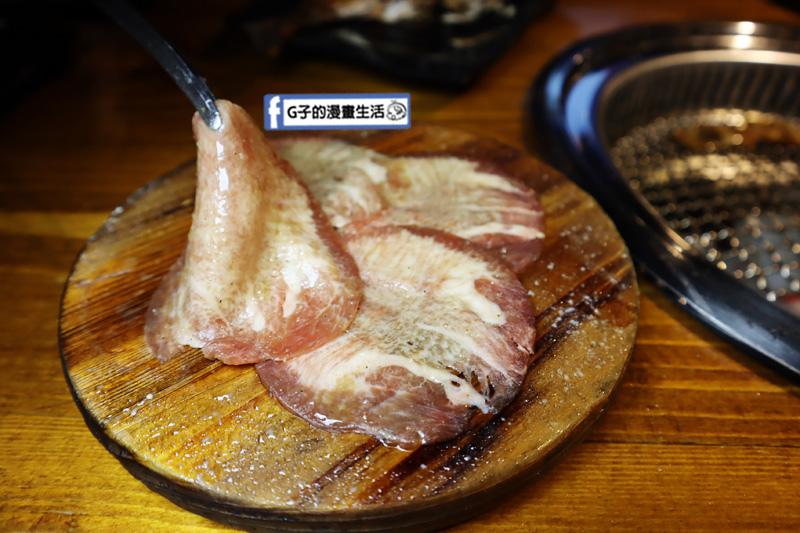 新北三重菜寮-米炭火燒肉小酒館,單點式燒烤.DIY自己烤.牛舌