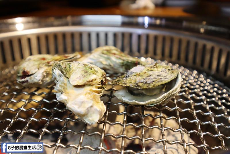 新北三重菜寮-米炭火燒肉小酒館,單點式燒烤.DIY自己烤.招待生蠔
