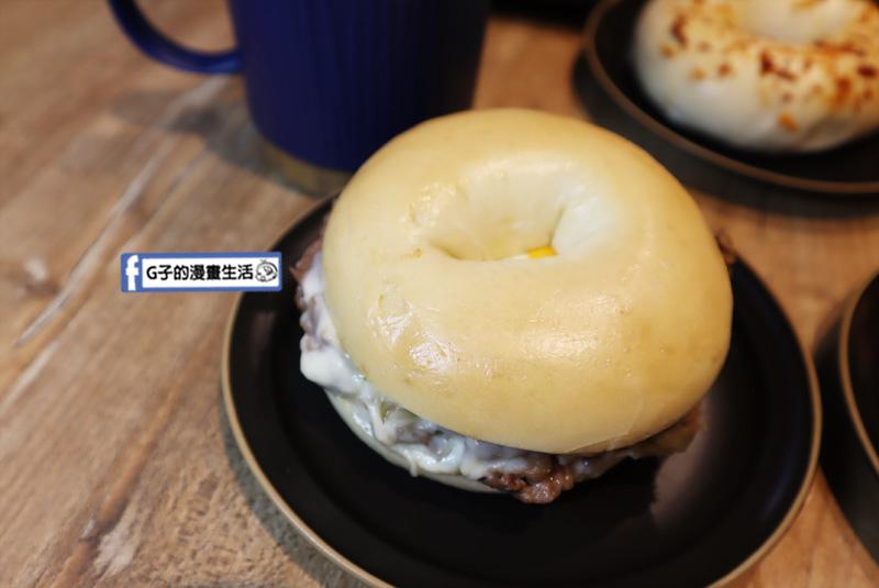 【松菸早午餐/市政府】飽貝 bo'bagel - 貝果Cafe.傳統猶太貝果.美式早餐-費城起司牛肉
