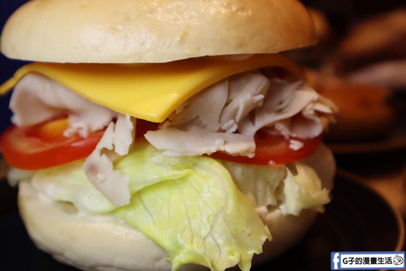 傳統猶太貝果.冷貝果三明治系列:  燻火雞總匯