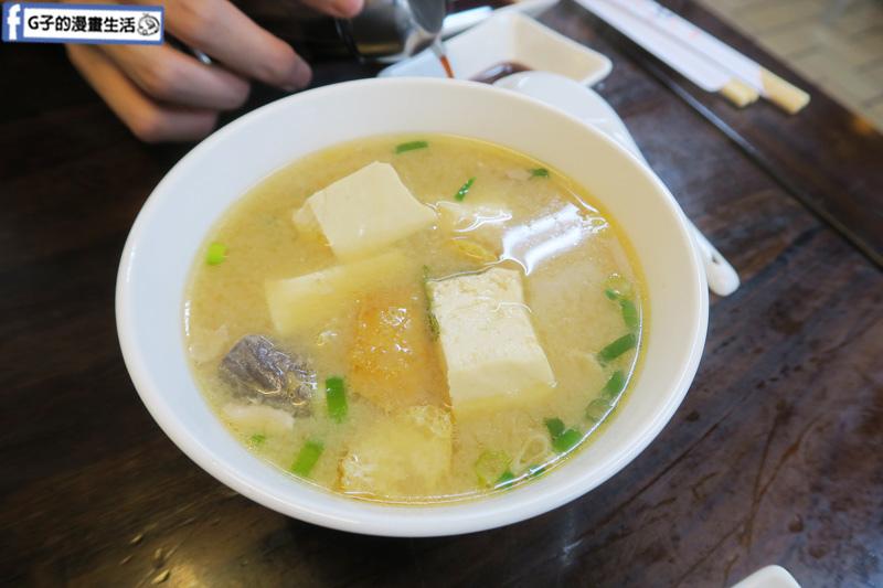 丸隆生魚行.台北永樂市場.迪化街.超過$200味噌湯無限喝