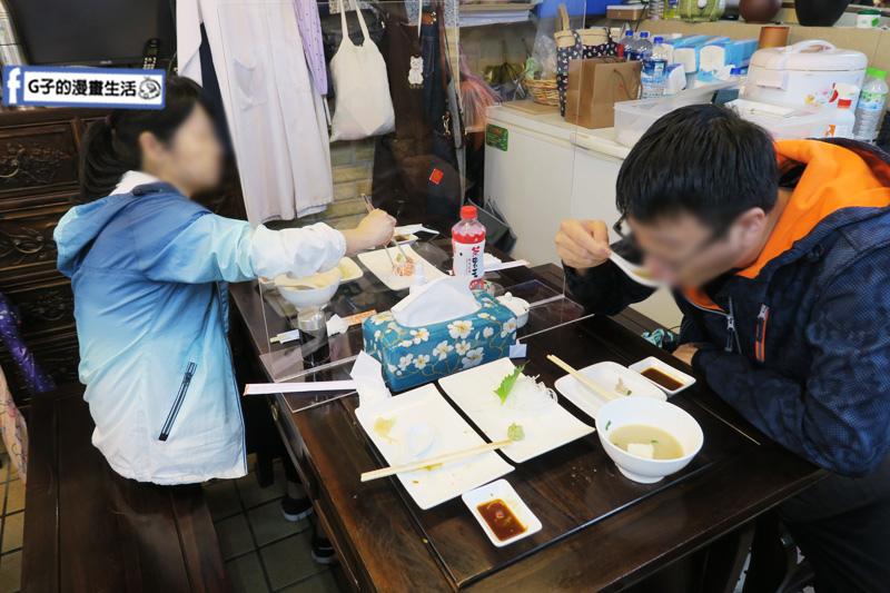 丸隆生魚行.台北永樂市場.迪化街.鮭魚生魚片.握壽司.大稻埕