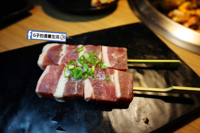 板橋燒烤吃到飽-燒肉殿.日本A5和牛.澳洲和牛.戰車龍蝦.宜蘭鴨胸.鴨肉串