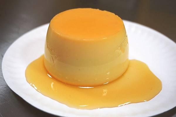 蒸烤雞蛋牛奶布丁成品