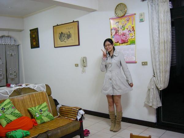 衣蝶週年慶的戰利品~風衣洋裝
