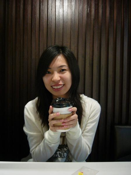 所以就先到台北找我吃飯聊天