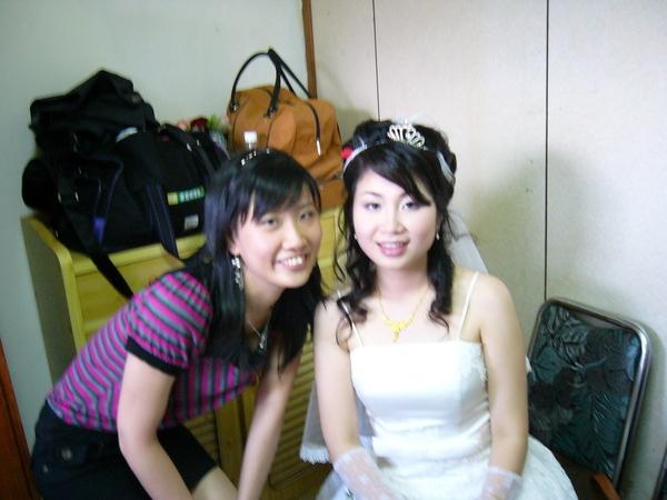 紫雁對我說~妳的裙子可以再短一點齁!!