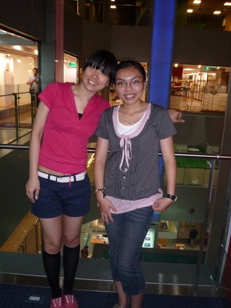 那天培培到台北來  我們大家一起吃飯並提早一天幫她慶生