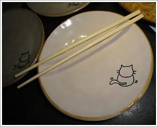盤子的繪圖,一隻小貓咪