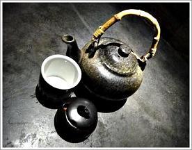 復古的茶壺