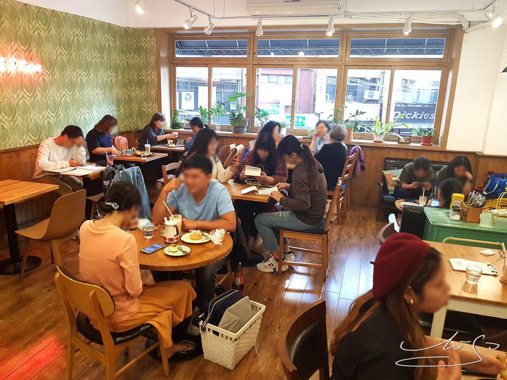 Woody cafe (21).jpg
