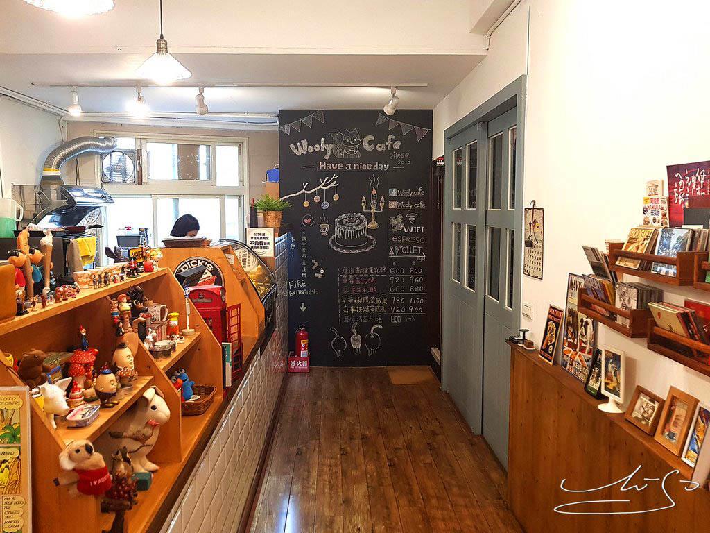 Woody cafe (19).jpg
