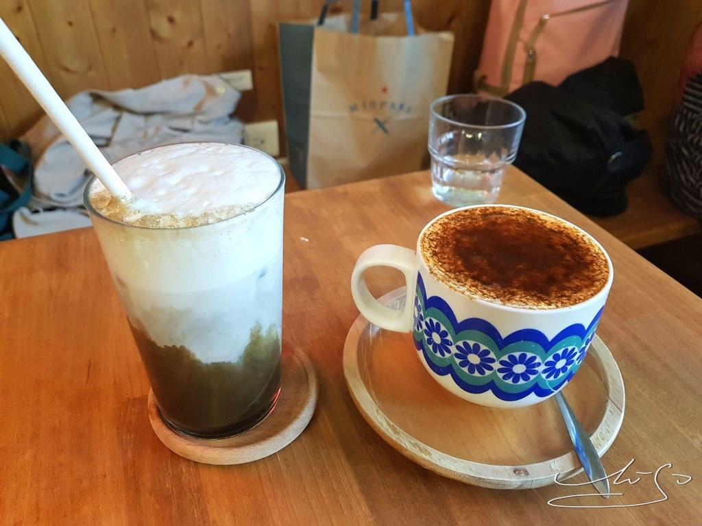 Woody cafe (1).jpg