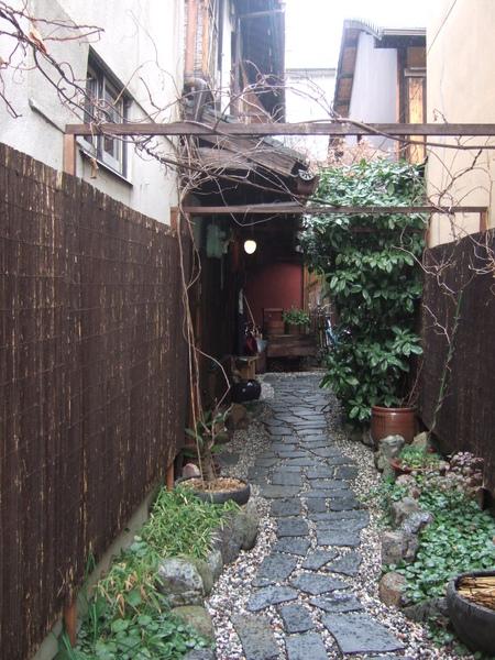 京都百年建築民宿和樂庵入口