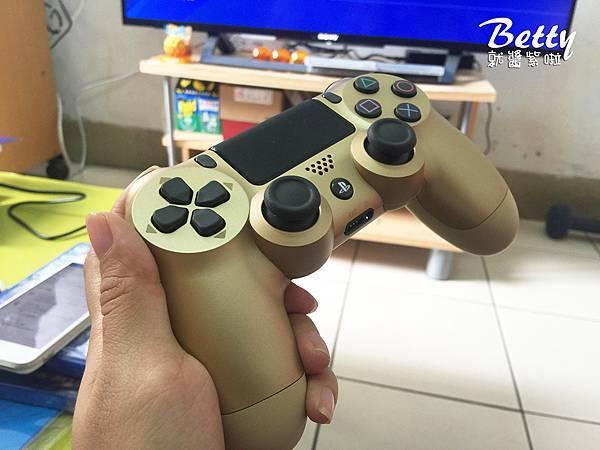 20170521開箱PS4 (22).jpg