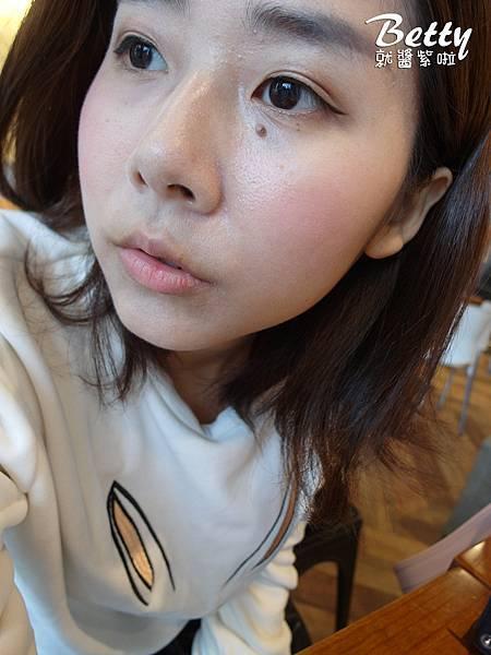 20171107banila-co-超能亮CC霜 (35).jpg