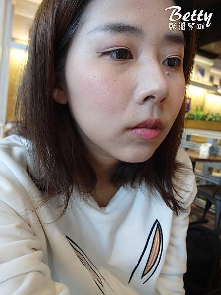20171107banila-co-超能亮CC霜 (38).jpg