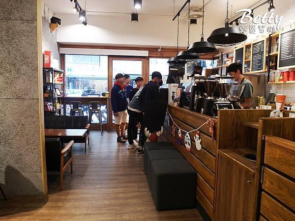 20171203路易莎咖啡 (4).jpg