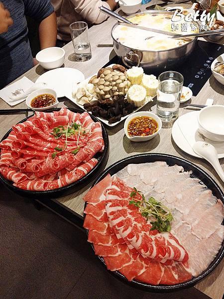 20190129粵式豬肚雞煲鍋 (17).jpg