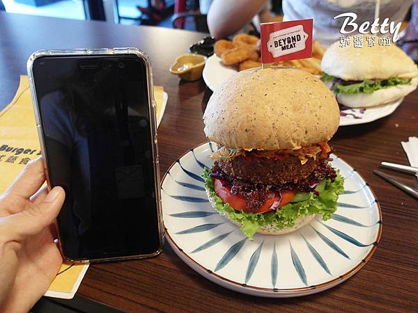 20190615美式蔬食漢堡專賣店 (43).jpg