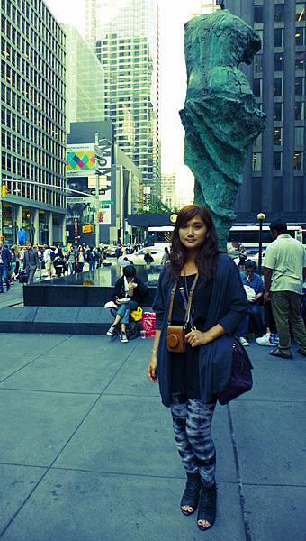 對街就是MoMA