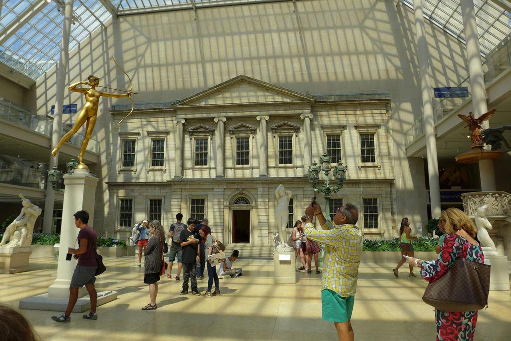 後面是博物館內的整間展示用老房子