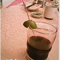 小雨傘與紅酒.jpg