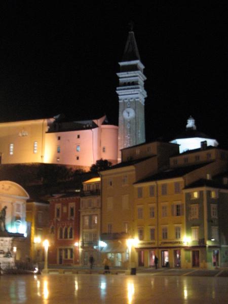 夜晚的Tartini廣場