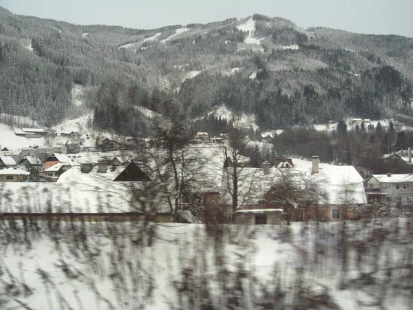 火車上看到的雪景