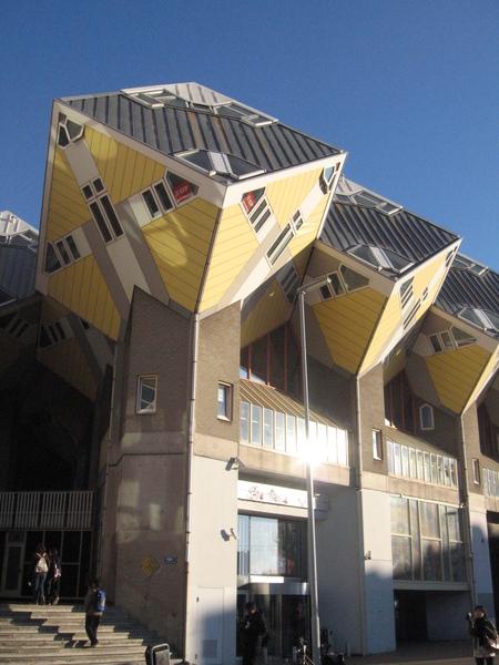 鹿特丹著名的建築-方塊屋