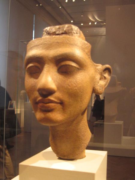 未完成的娜芙蒂蒂女王頭像