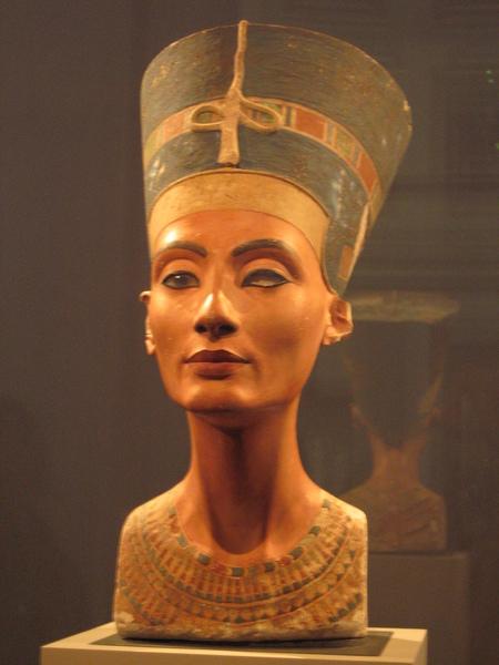 知名的娜芙蒂蒂女王頭像