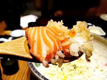 鮭魚生魚片與鮭魚卵的完美組合!!!