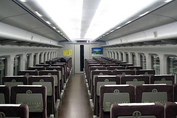 新幹線車廂內部