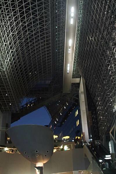 京都JR車站內部,非常壯觀