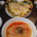 Cafe Cotton Club 的愛心 pizza!