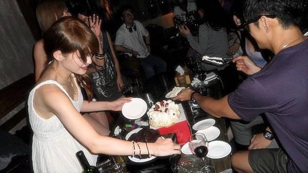 切蛋糕嘍!!